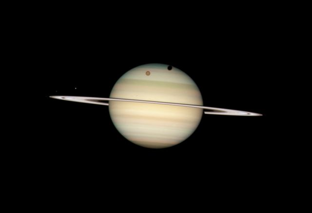 Saturne vu par Hubble