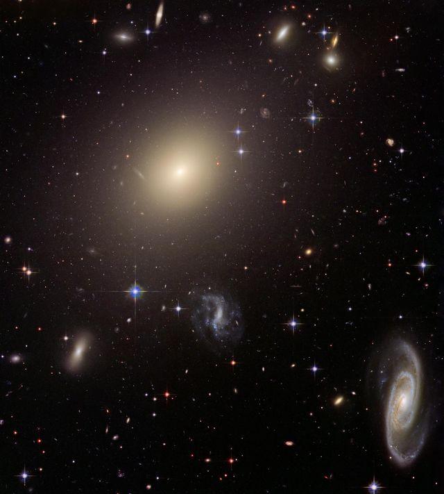 Abell-SO740 pris par Hubble