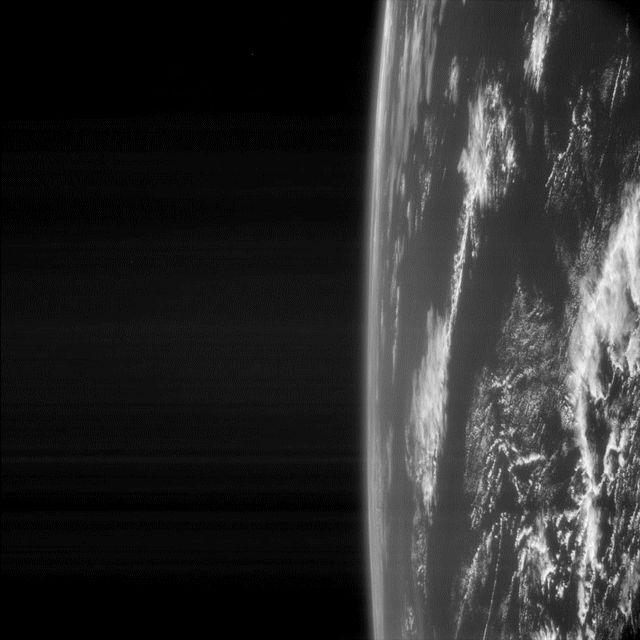 Vue de la Terre par la camera NAVCAM de Rosetta